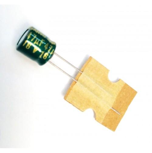 Condensatore Elettrolitico 47uF 16V 105°C Radiale 6x7,5mm Sanyo