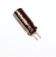 Condensatore Elettrolitico 4,7uF 50V 85°C Radiale 5x11mm Nichicon (3 pezzi)